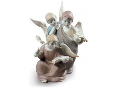 Angelic Voices Figurine